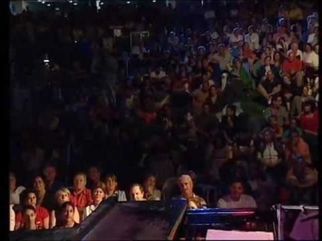 נורית הירש הופעה חיה עם דני רובס, אילנית, רון שובל ועוד