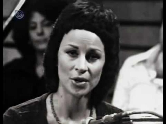 """נורית שרה """"עושה שלום במרומיו"""" מתוך תכנית הערוץ הראשון"""