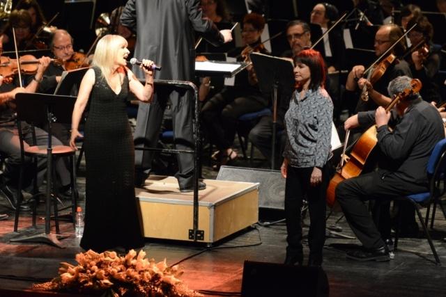 נורית ואילנית בקונצרט מחווה  עם הסימפונית חיפה